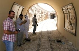 خلال زيارة أنفاق القطار بالحديقة قبل الافتتاح